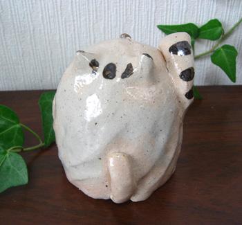 笑い猫・陶器小物・置物・トラ
